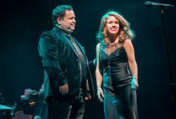 Joanna to duet with Paul Potts at Busting to Sing